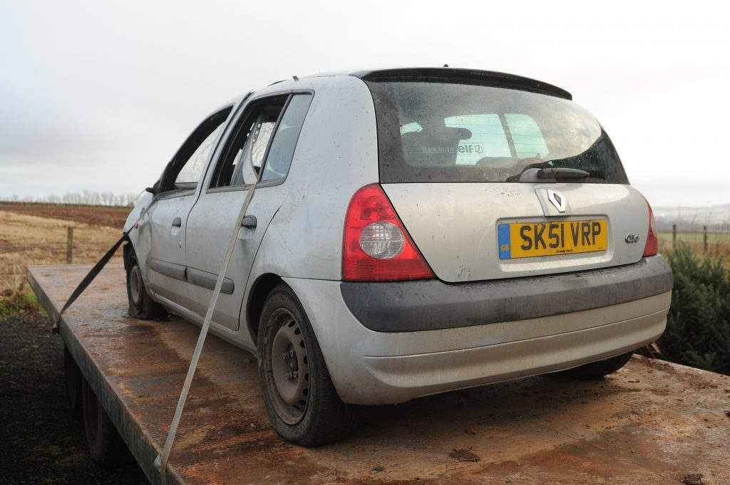KCes_Westmuir_Abandonded_Car_Westmuir_06_281116