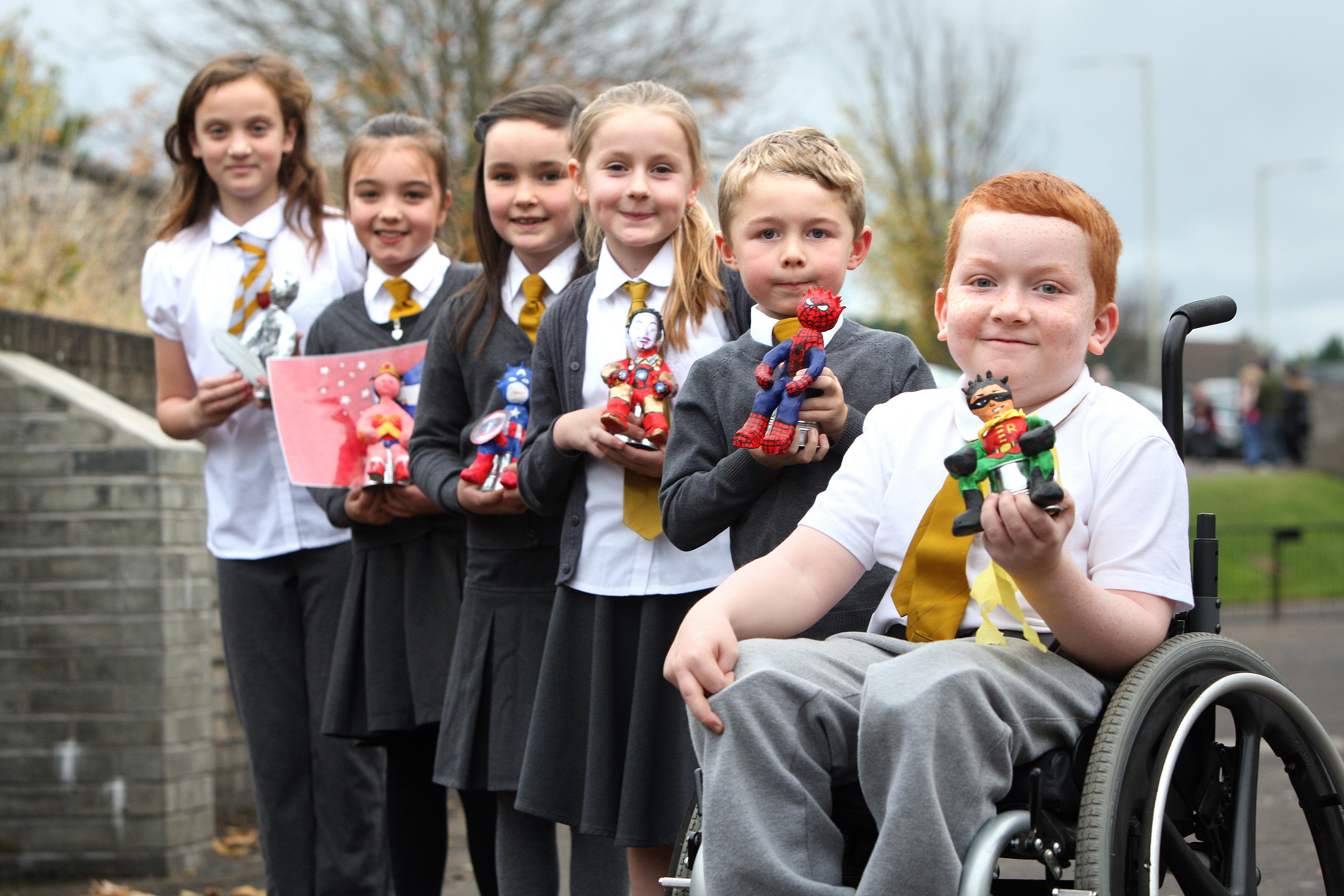 School children from Monifieth have set up a miniature Oor Wullie Bucket Trail around the streets of the town.