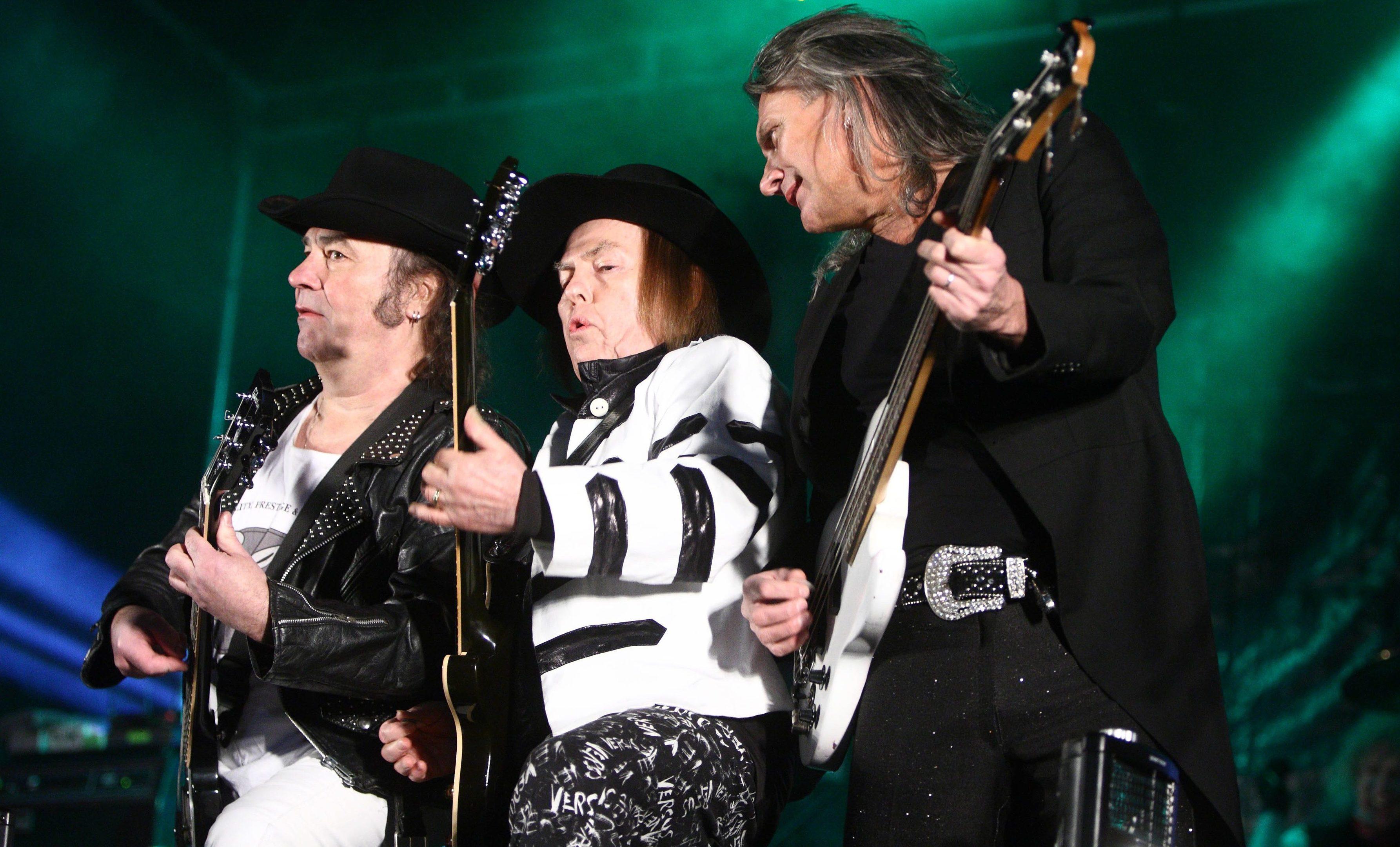 Slade Live in Perth.