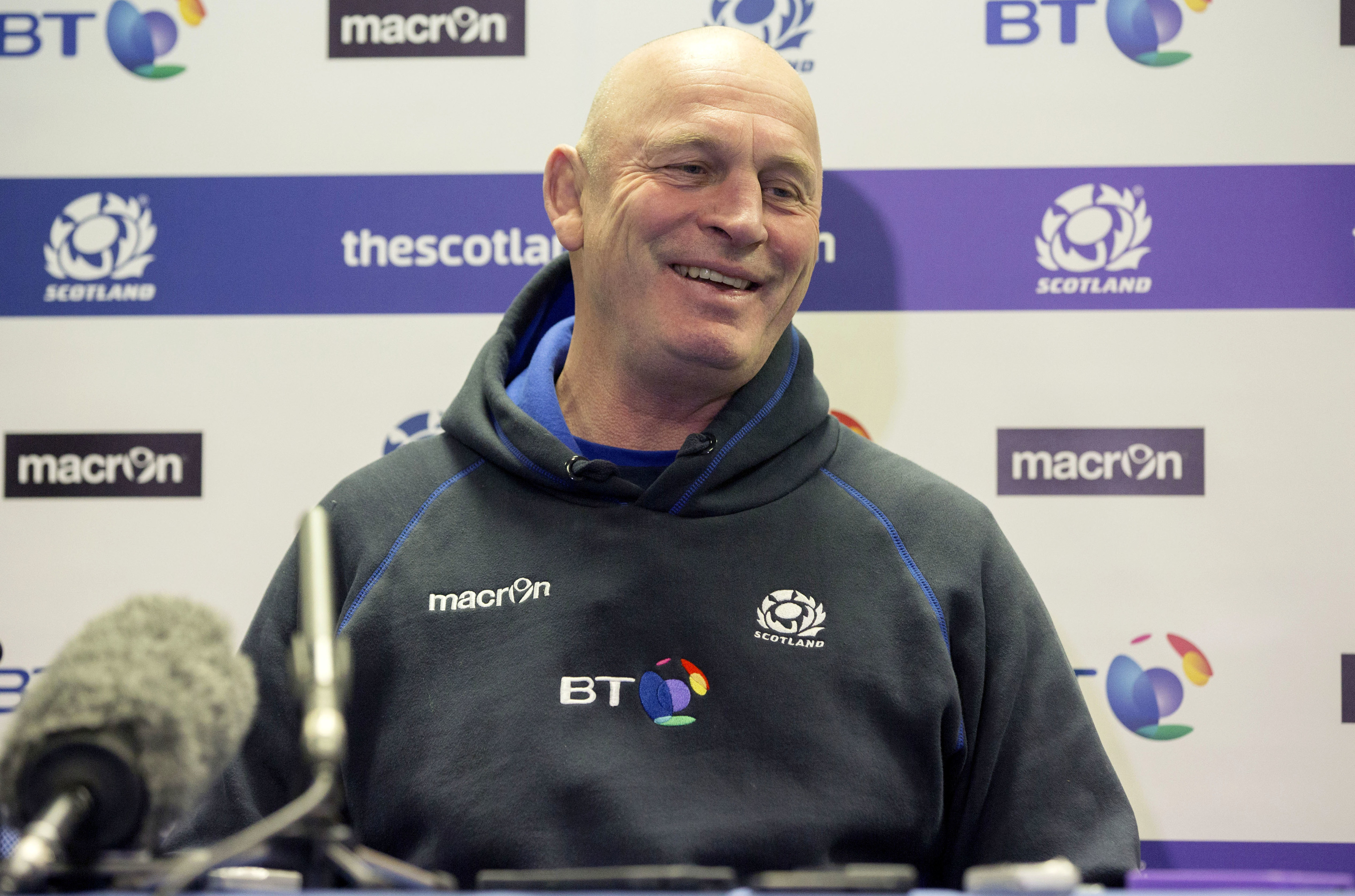 Vern Cotter has a big decision to make. What do you think he should do?.