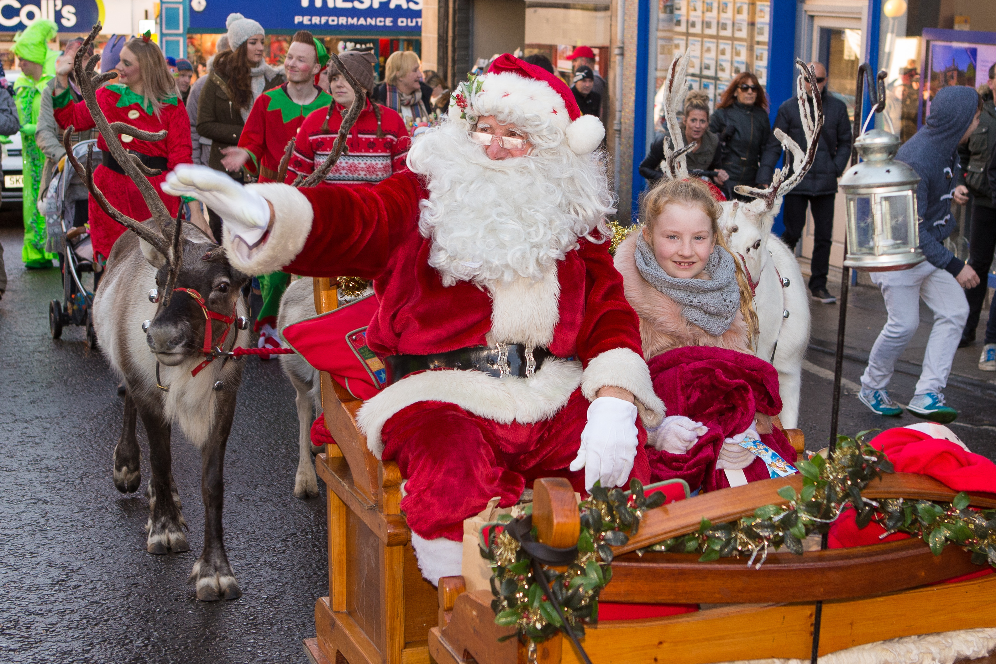 Santa and Sofia Anderson  on the sleigh in Kirkcaldy last year.