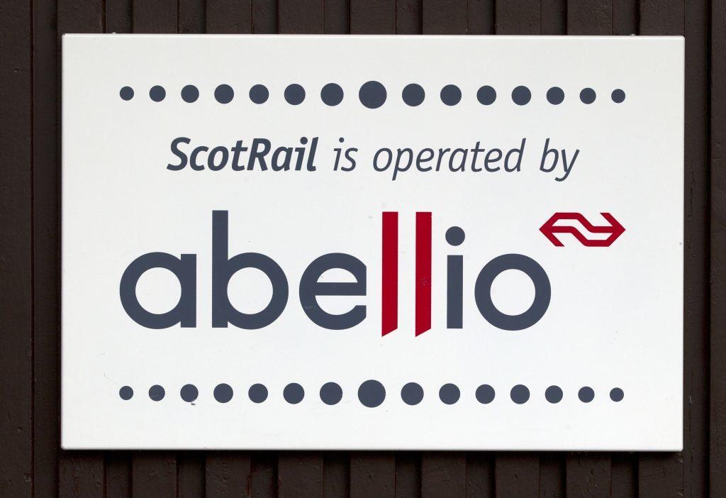 Sturgeon 'sorry' for rail disruption after Edinburgh train breakdown