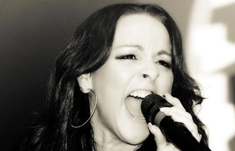 Heather Finnie performing with QFX