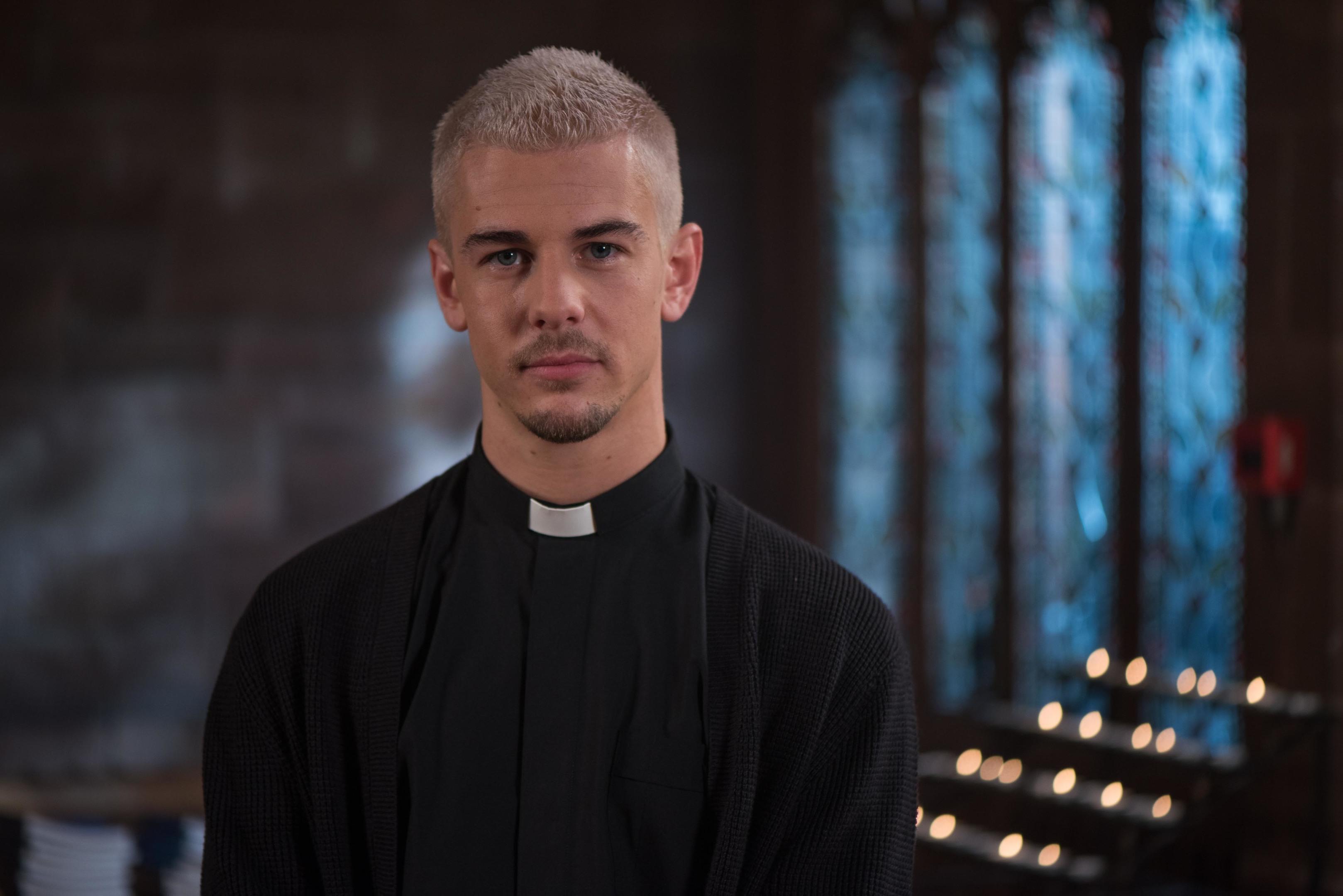 Rory Douglas-Speed as Joel Dexter.