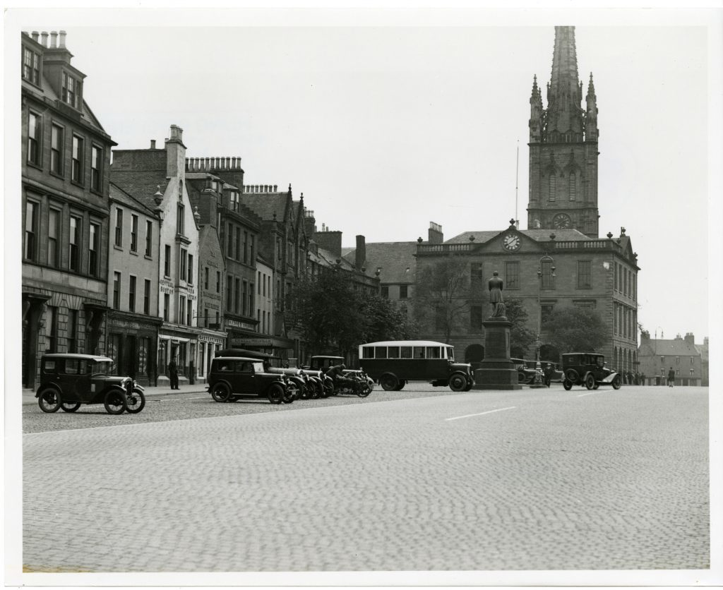 Montrose High Street. in the 1920's.