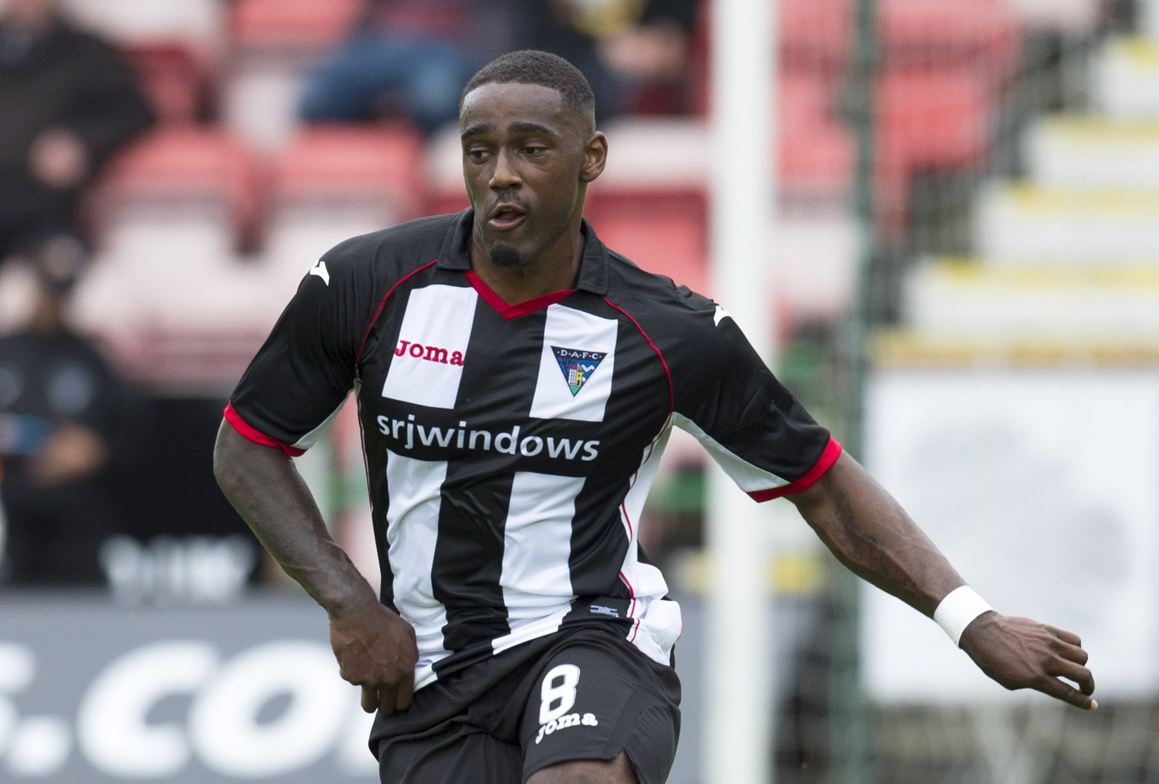 Nat Wedderburn playing for Dunfermline.