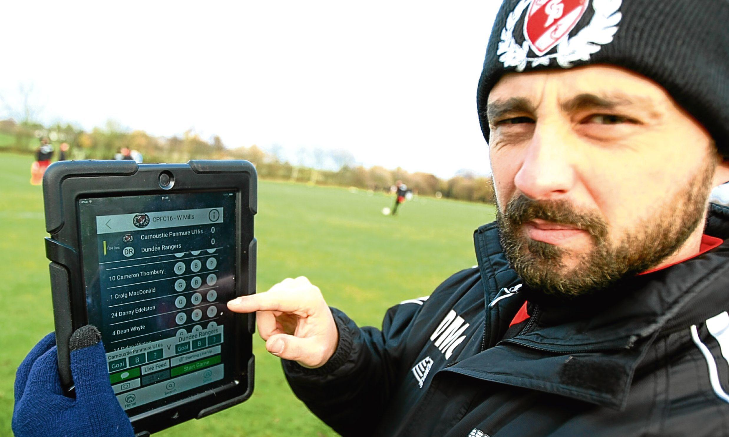 Dean McConnachie with the Usqor app on his iPad.