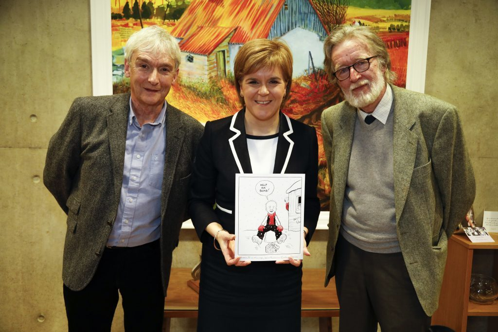 First Minister Nicola Sturgeon meets Peter Davidson and Morris Heggies to choose the design of the Christmas Card 2016