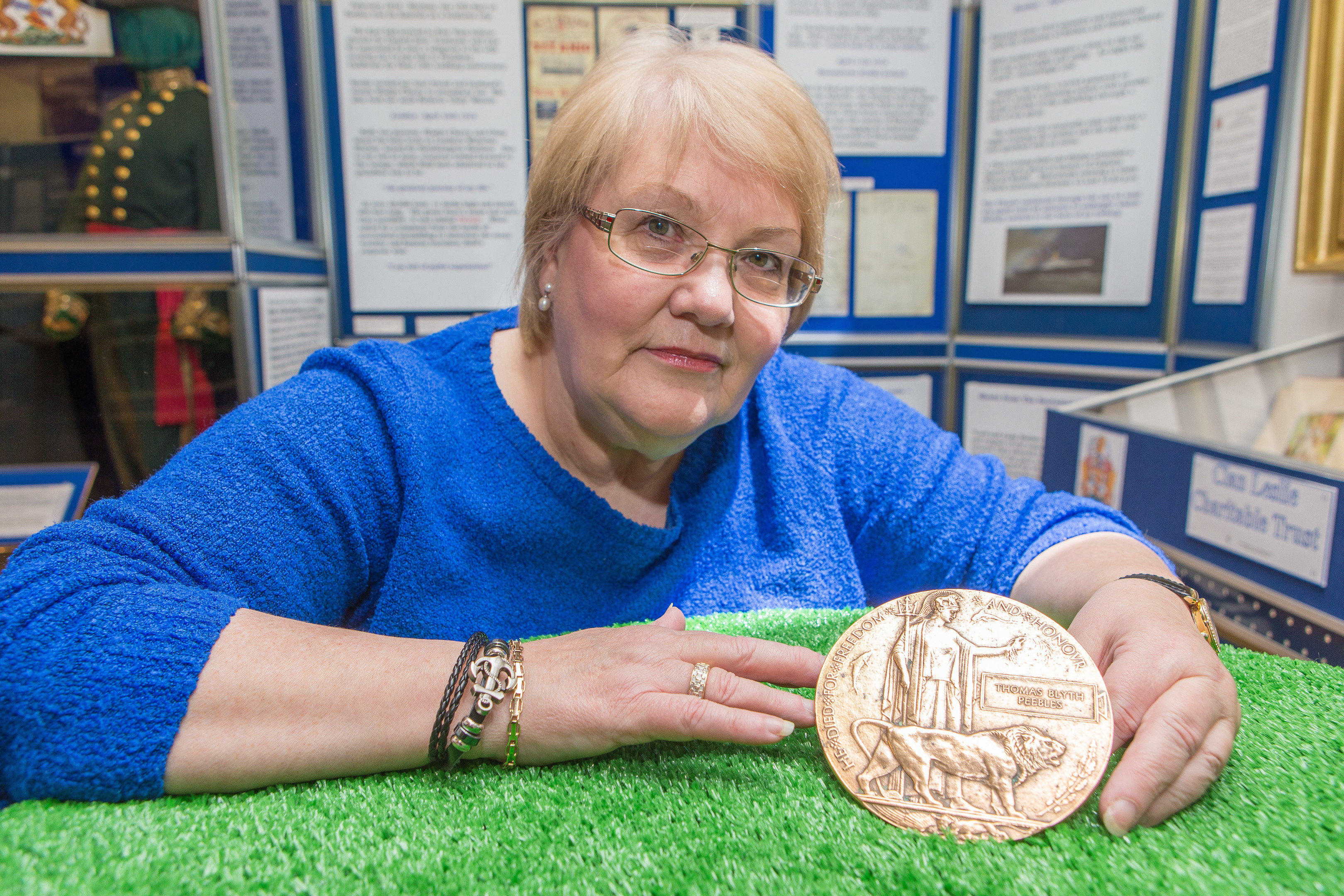Linda Ballingall of Glenrothes Heritage Centre is trying to locate the family of Pvt Thomas Blyth Peebles to hand over the Death Penny.