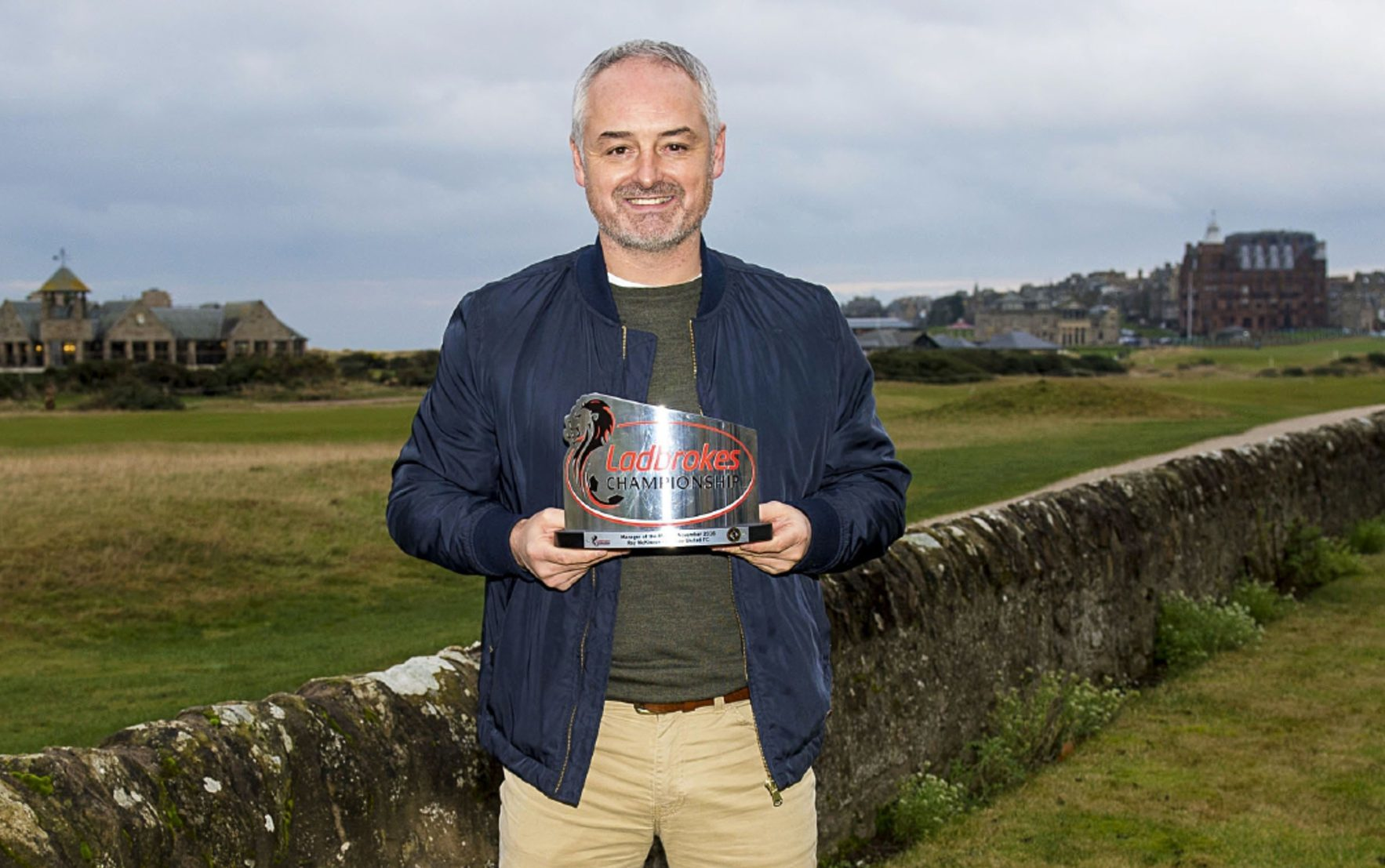 Ray McKinnon with his award.