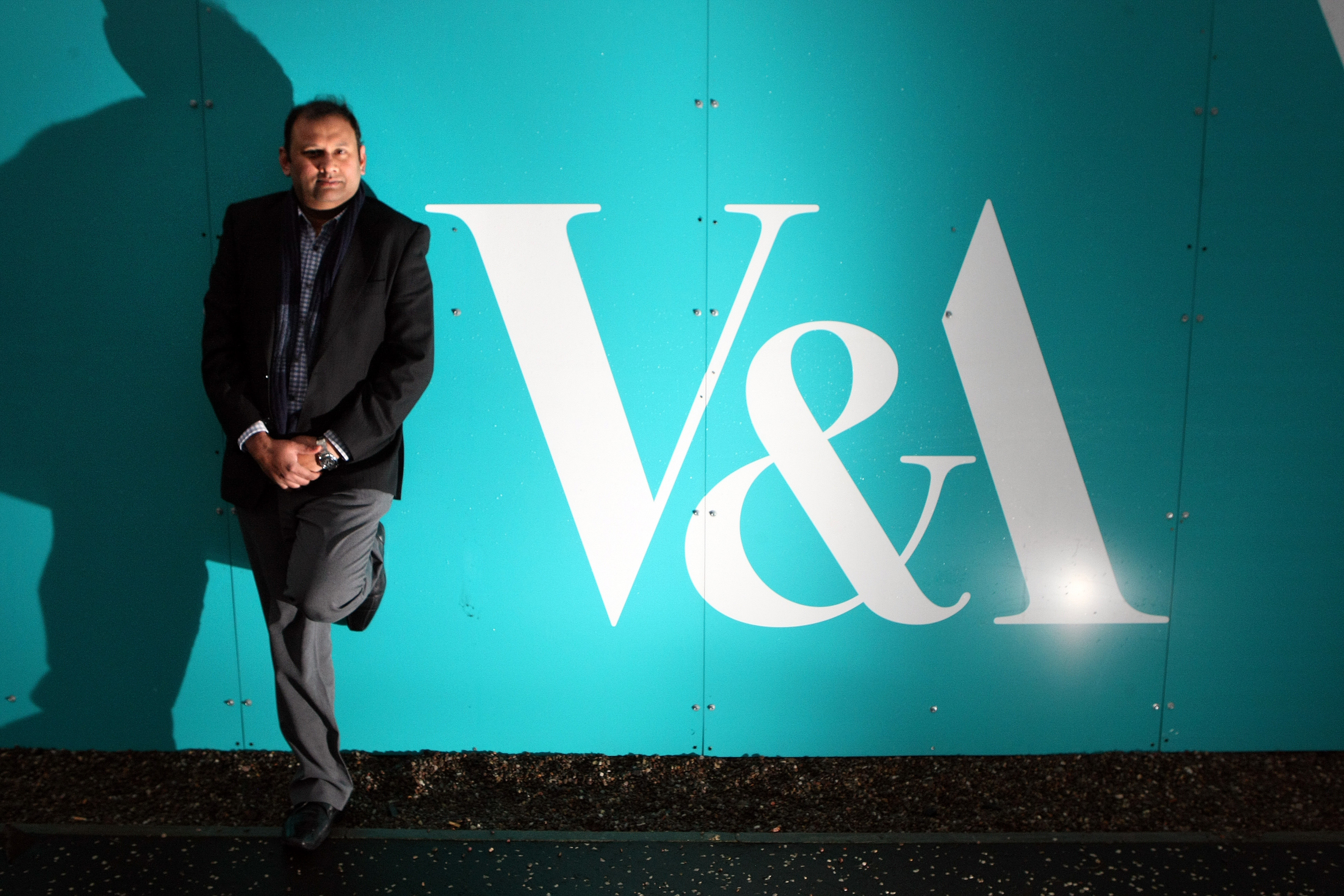 Dundee taxi driver Ahmed Mobin is amongst those trained as an 'ambassador' for Dundee ahead of the opening of the V&A in 2018