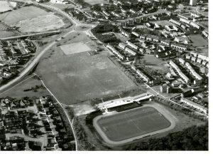 Warout Stadium, surrounding area and Red Ash Park photographed from the air in June 1982.