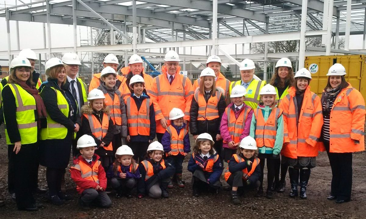 John Swinney with helpers at the Kinross Primary site.
