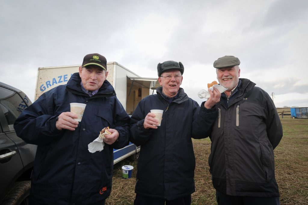 Enjoying a catch up are (L-R) William Mowatt, Eck Stewart and Andy Dallas.