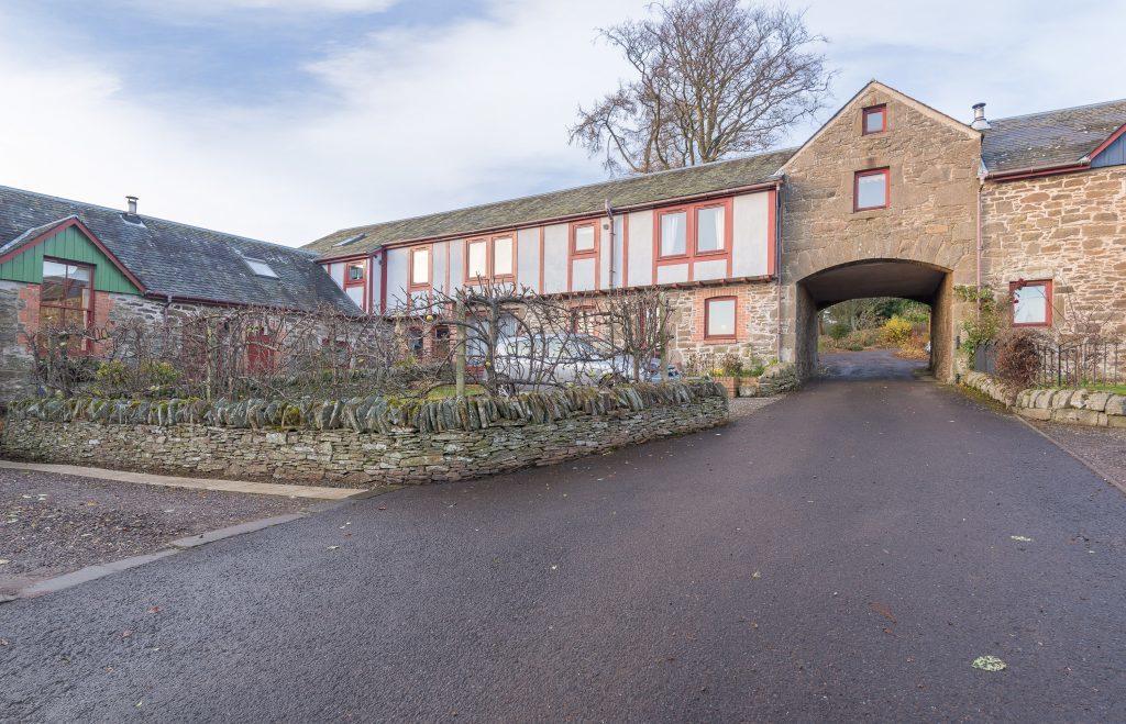 3 Balbeuchley Steading, Auchterhouse (1).jpg