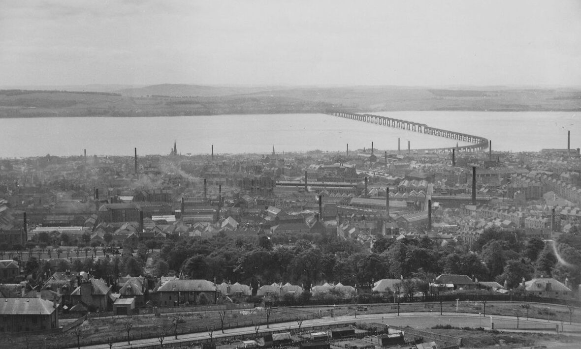 Stories about old Dundee are being sought from locals aged 60 and over.