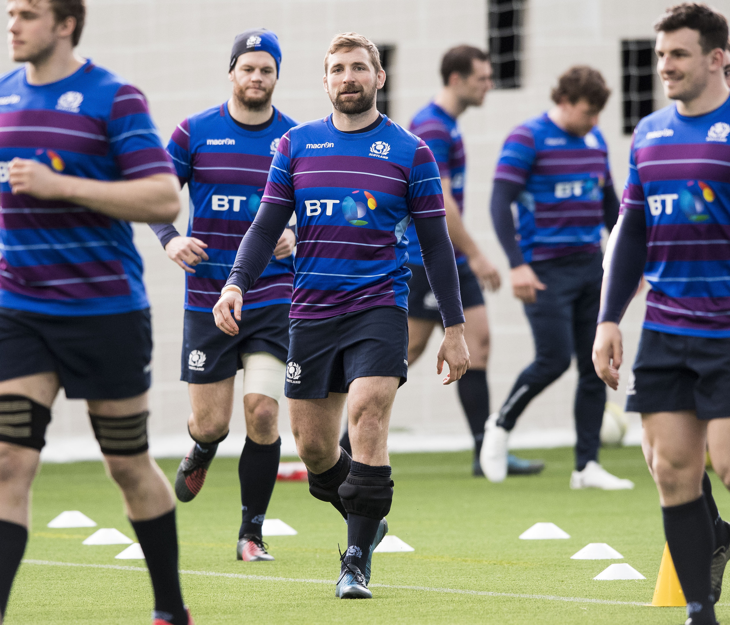 John Barclay at the centre of training this week as Scotland prepare for Twickenham.