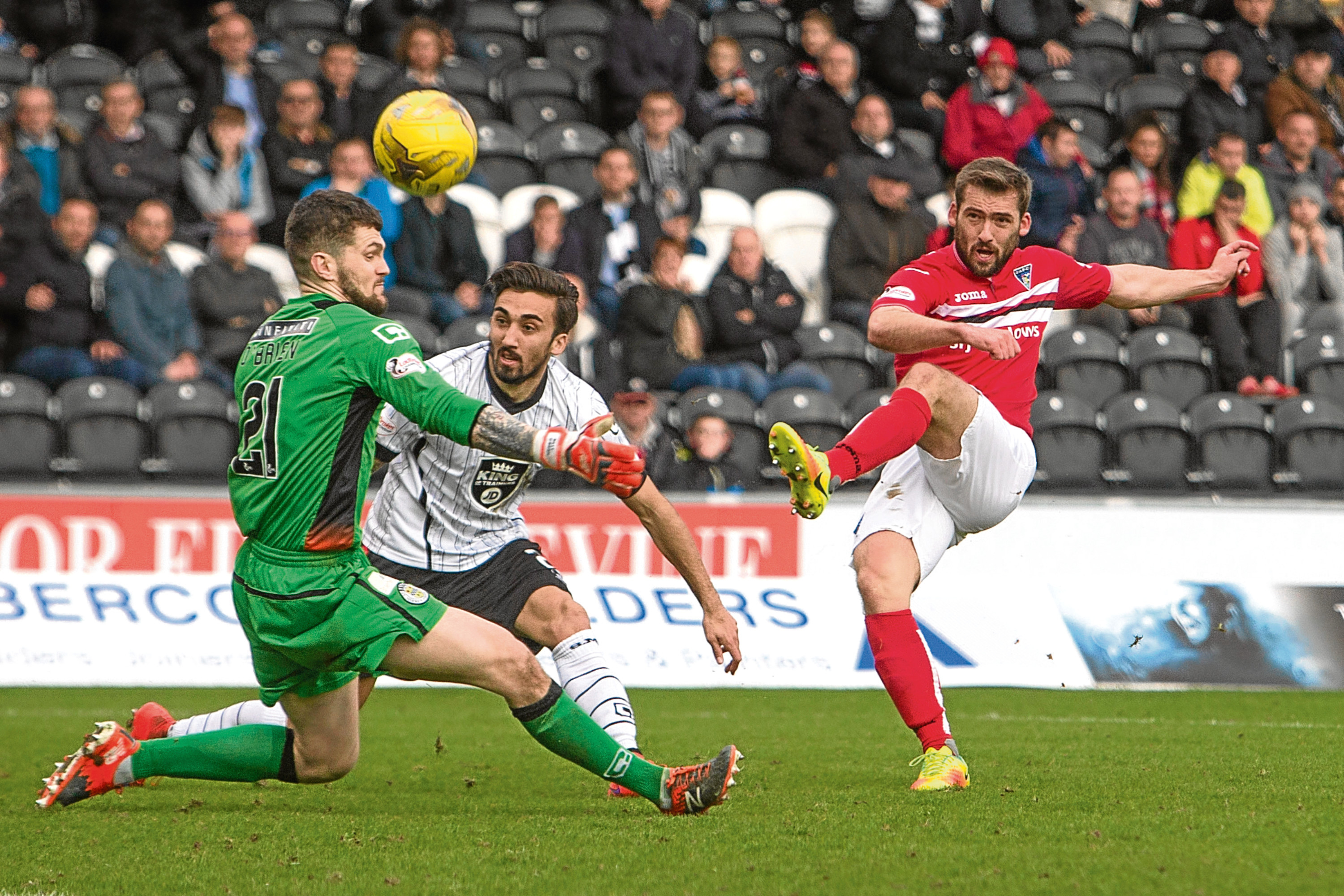 While Dunfermline threatened, St Mirren keeper Billy O'Brien kept a clean sheet.