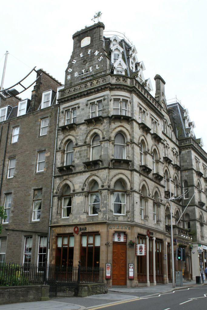 The Queen's Hotel.