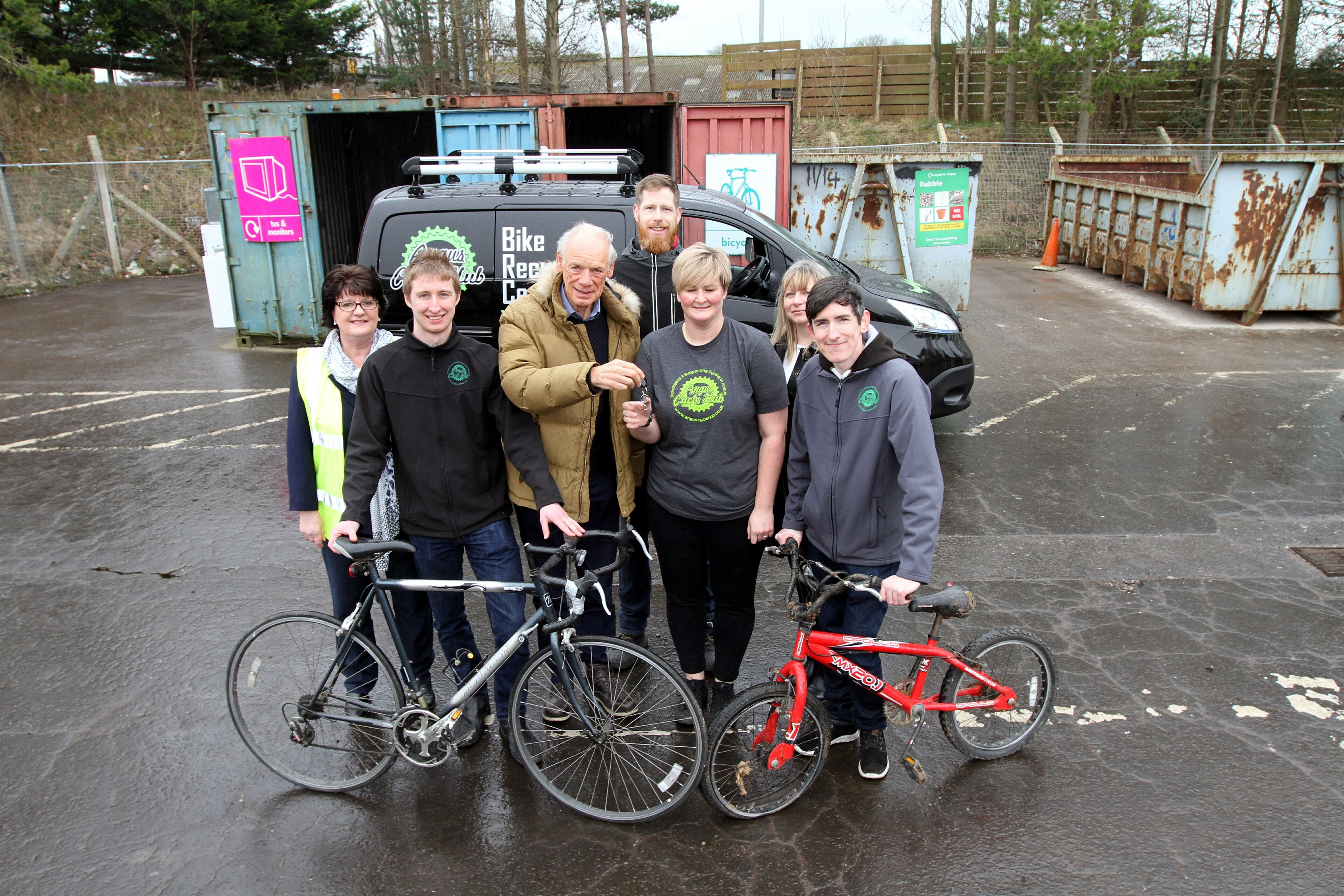 A new Nissan NV200E electric van will be used by Angus Cycle Hub to pick up bikes from Angus Recycling Centres and deliver cycles to new owners.