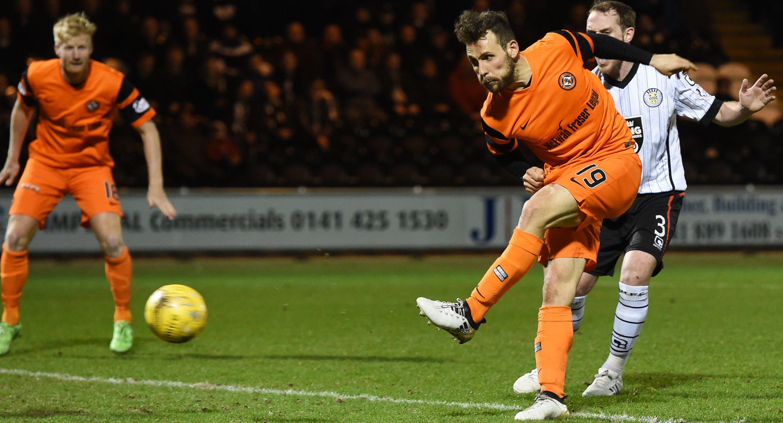 Tony Andreu scores for United.