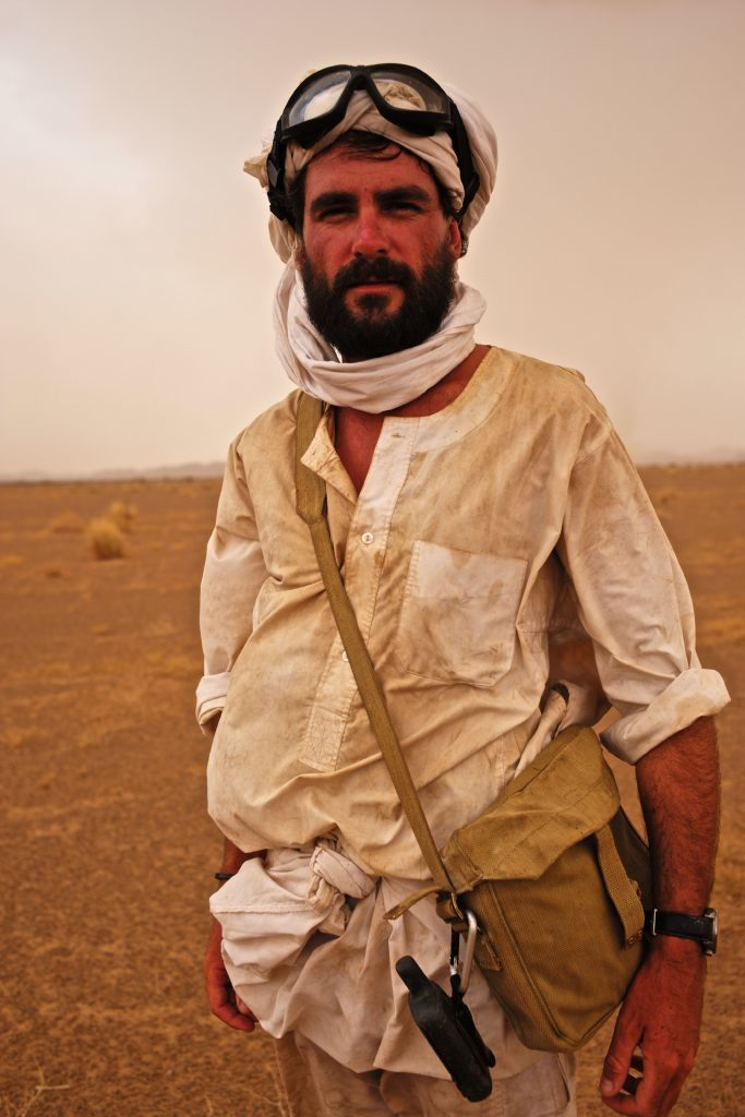 Levison in the desert - and he still looks amazing!