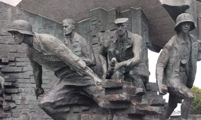 monument-to-the-uprising-fighters-warsaw-uprising-museum-1