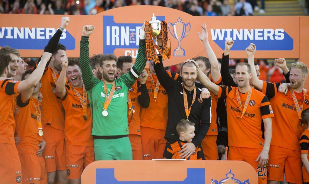 25/03/17 IRN-BRU CUP FINAL DUNDEE UTD v ST MIRREN FIR PARK - MOTHERWELL Dundee Utd celebrate after winning the Irn-Bru Cup