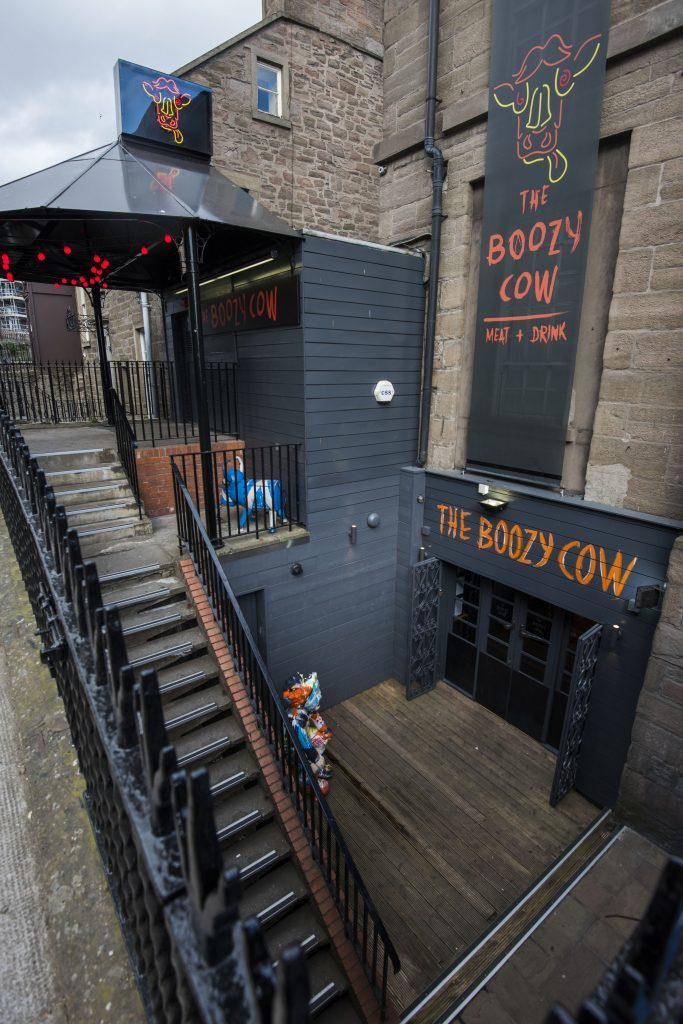 Boozy_Cow_Vip_Dundee_AR