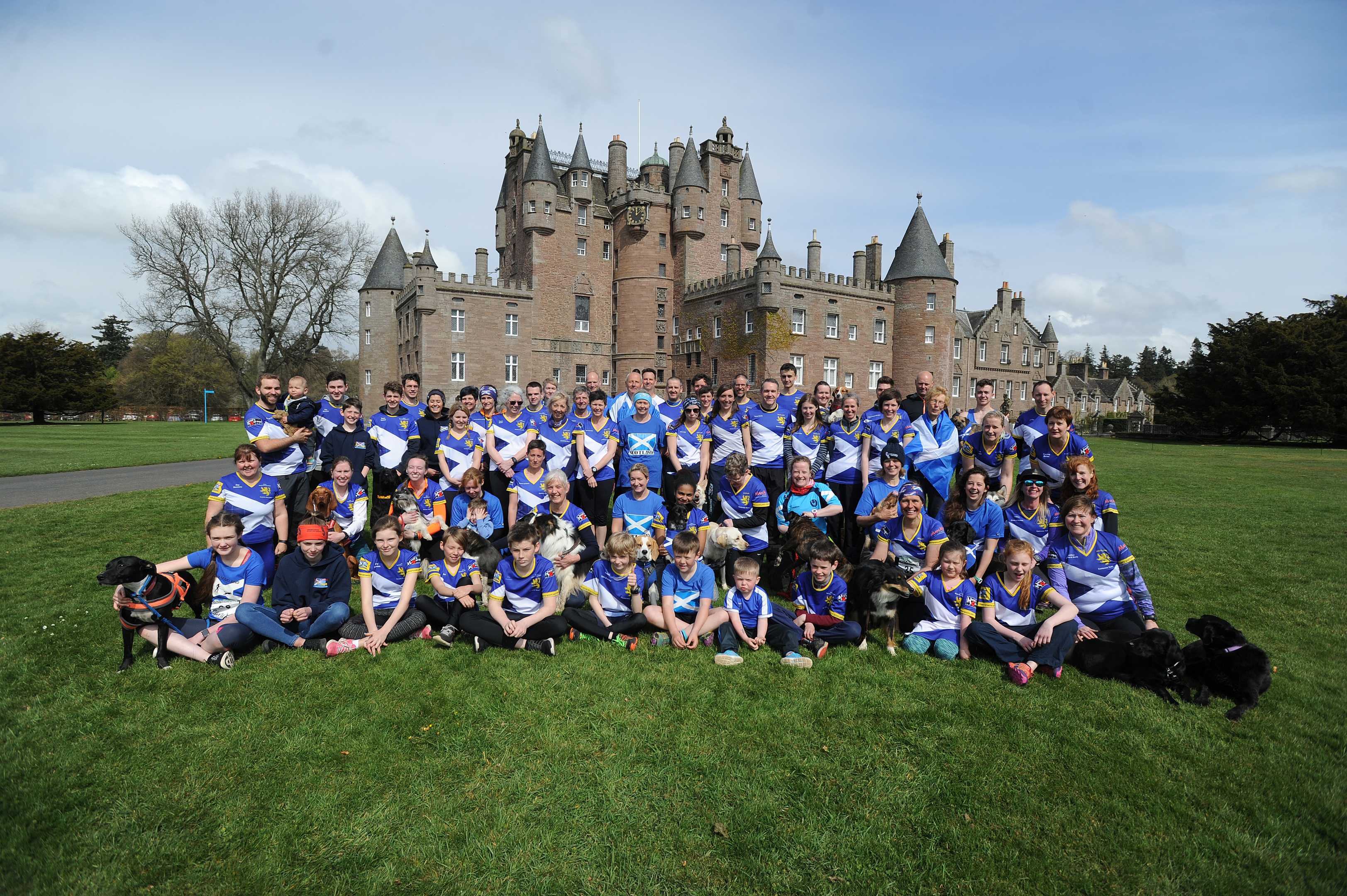 The Scotland team gather before Glamis Castle.