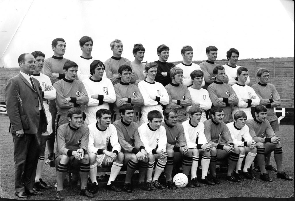 The Dundee United 1961 line-up, with Stuart Markland on the far right of the middle row.
