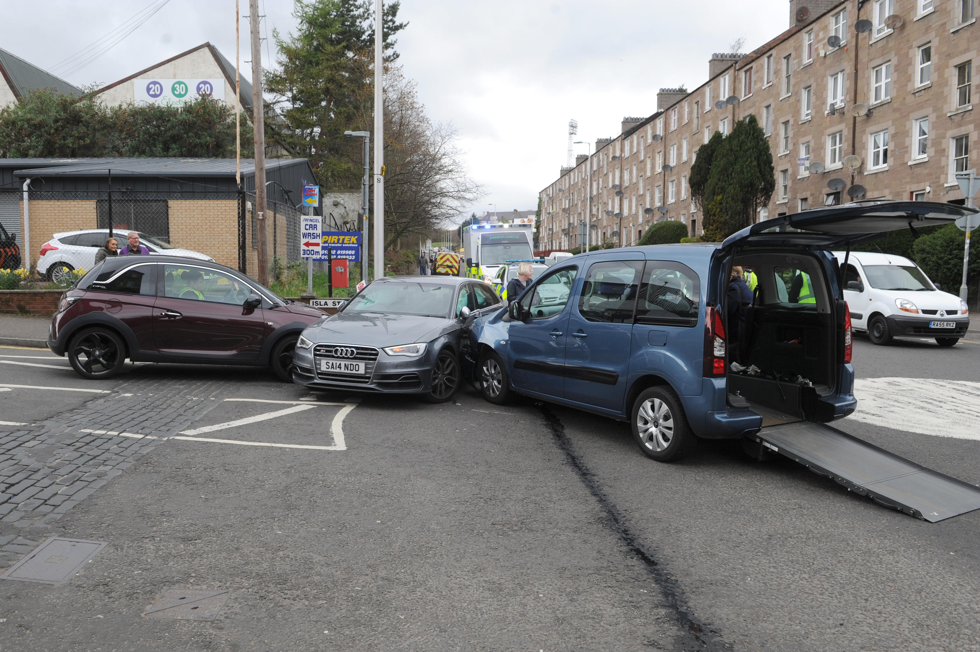 The accident occurred at the junction between Dens Road and North Isla Street