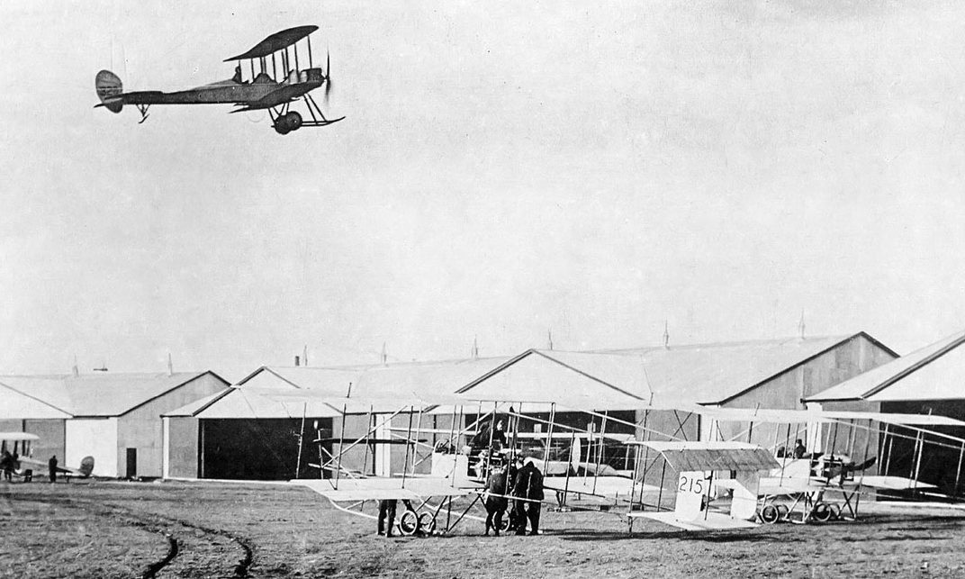 Montrose Air Station in 1914.