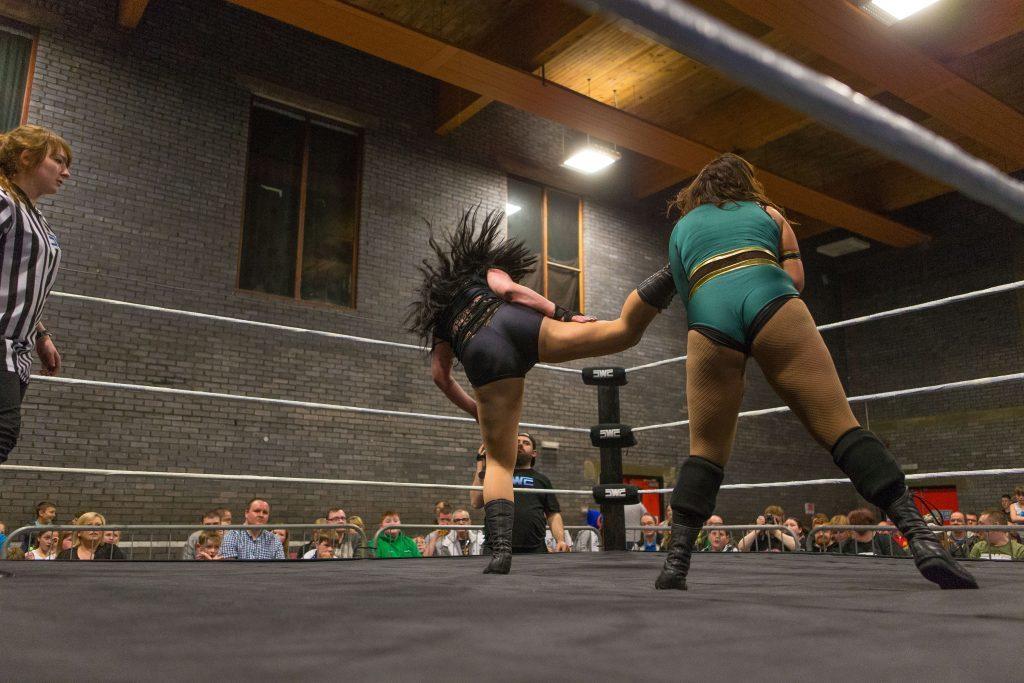 Sbro_Scottish_Wrestling_Fans_Dundee-110.jpg
