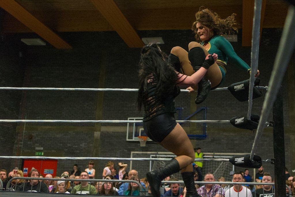 Sbro_Scottish_Wrestling_Fans_Dundee-113.jpg