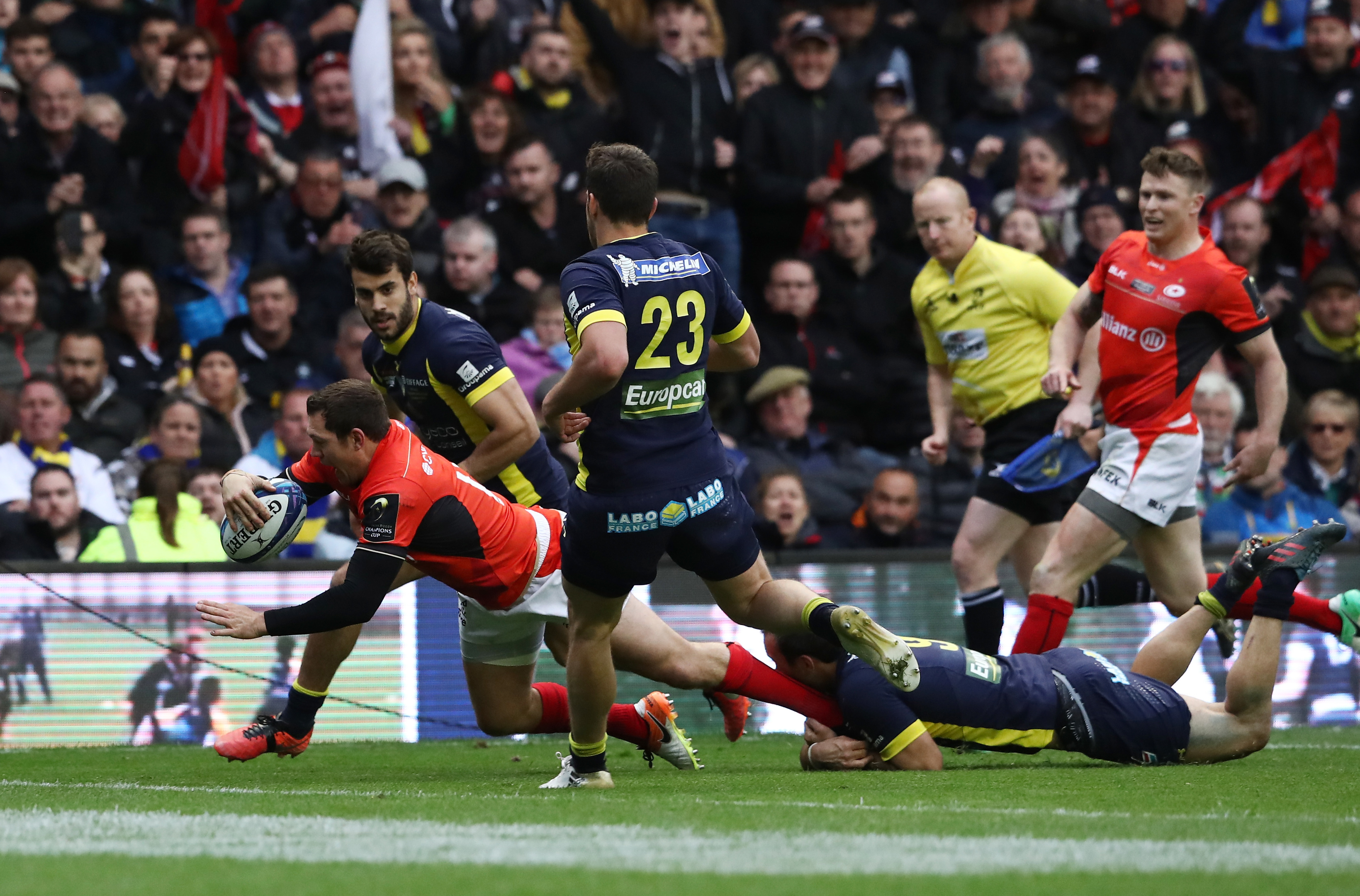 Alex Goode scores the crucial try to lift Saracens to retain the European Rugby Champions Cup.