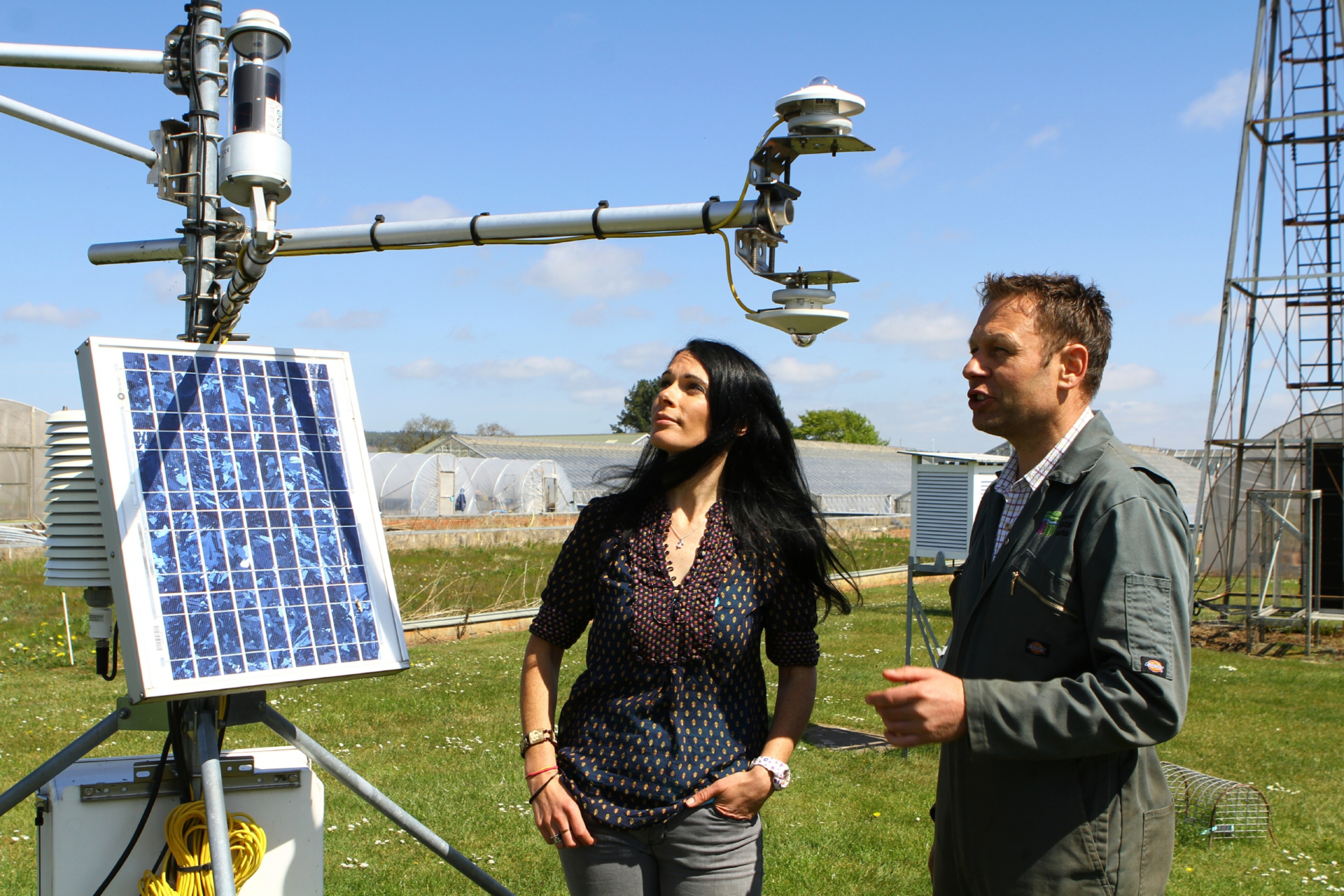 Euan Caldwell shows Gayle Ritchie some of the meteorological instruments.