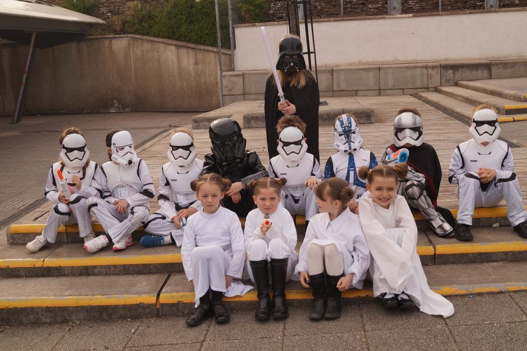 Leia(s), Darth and a few tiny stormtroopers take a break from all the Star wars fun.