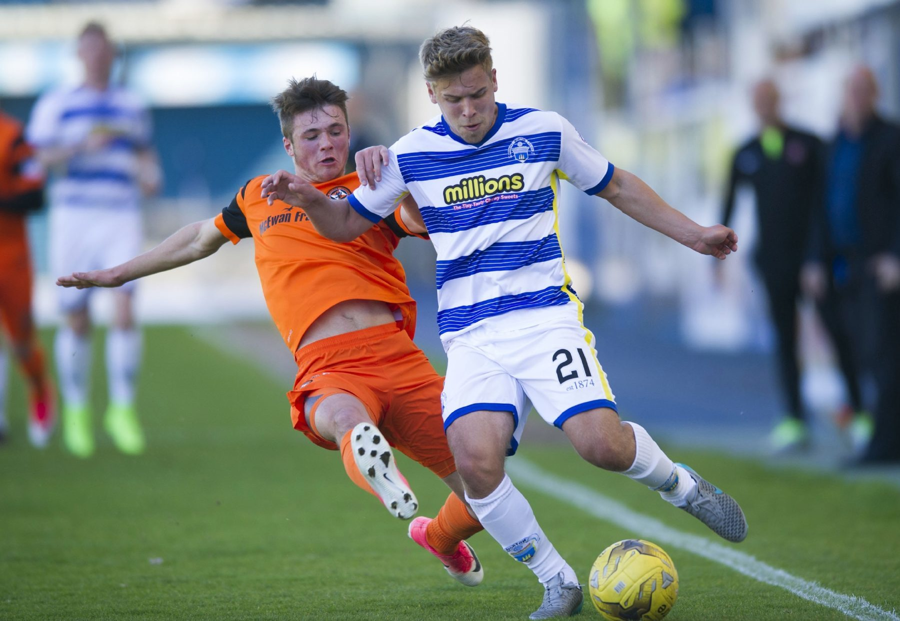 Jamie Robson battles with Morton's Andy Murdoch.