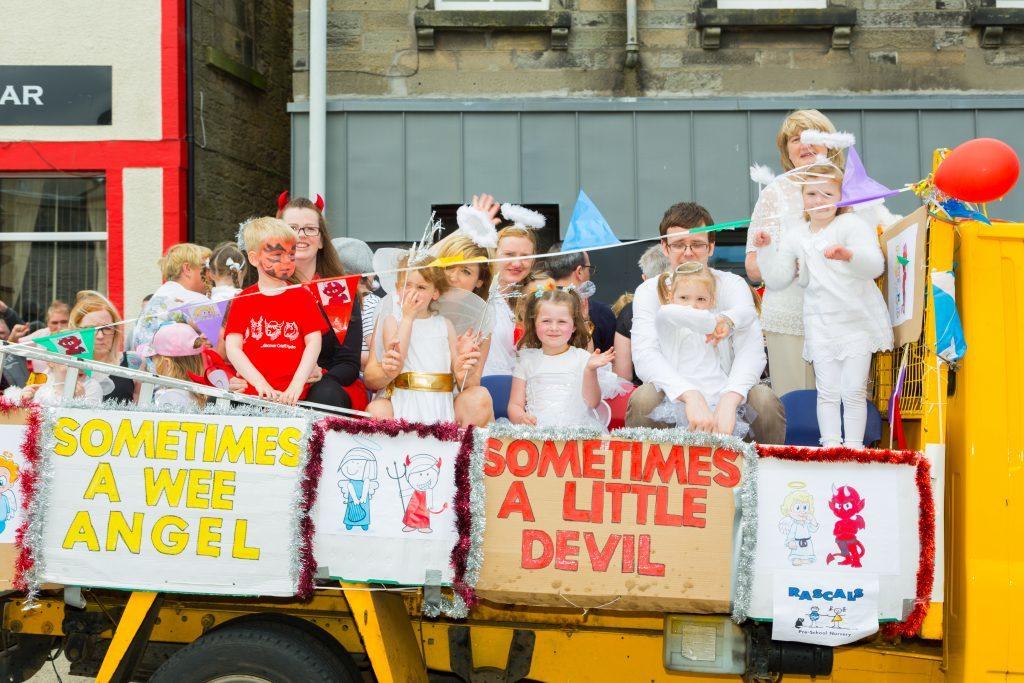 Cowdenbeath Civic week parade