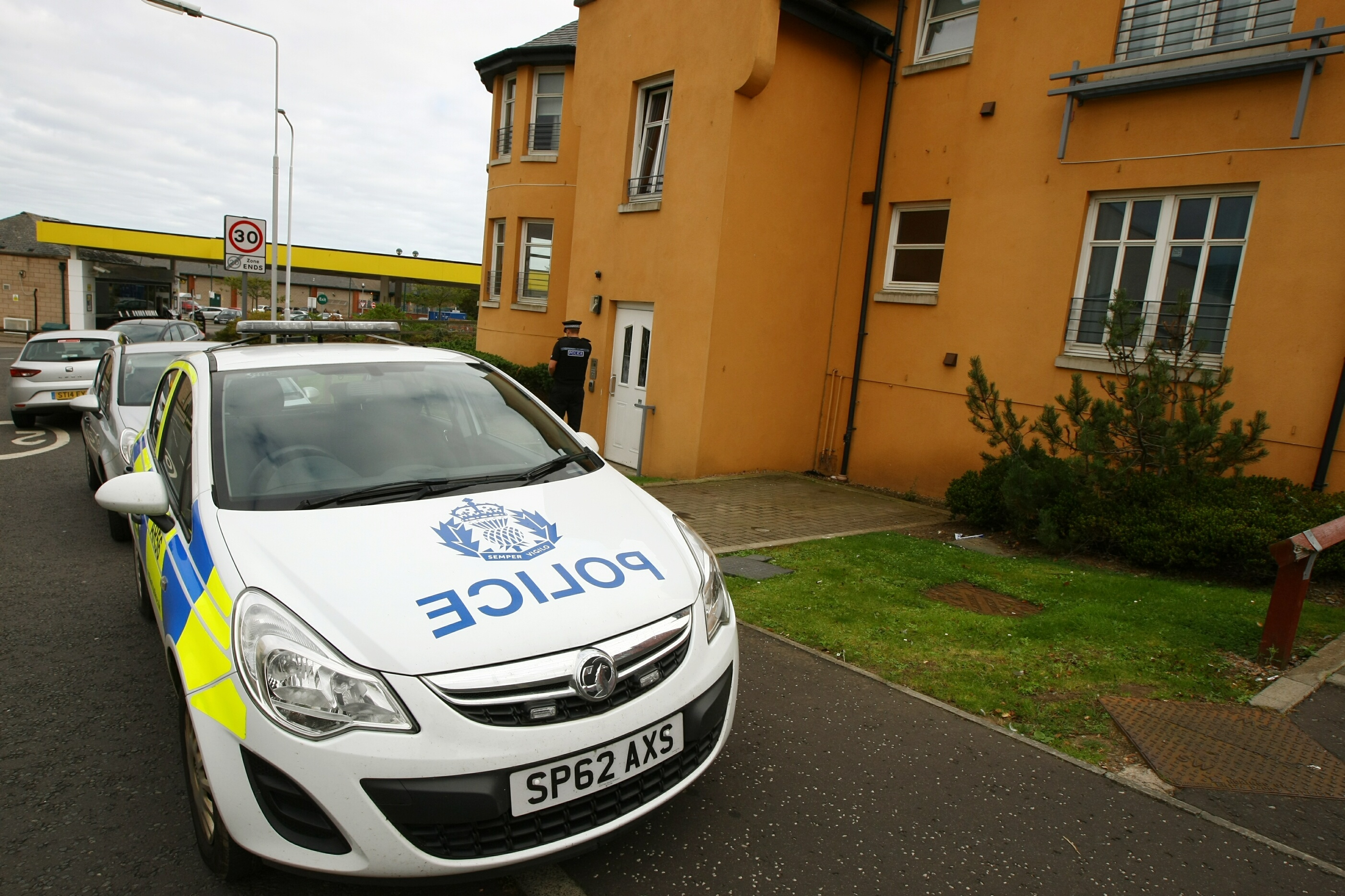 No officer was sent to Elizabeth Bowe's flat after her 999 call for help