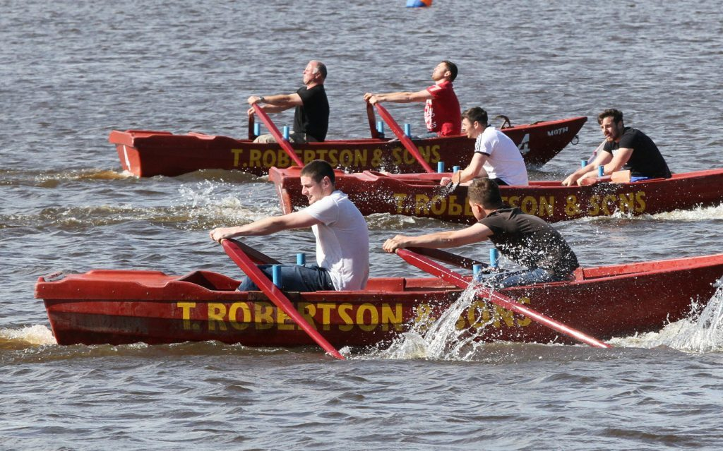 Action from the first heat of the men's race at Newburgh.