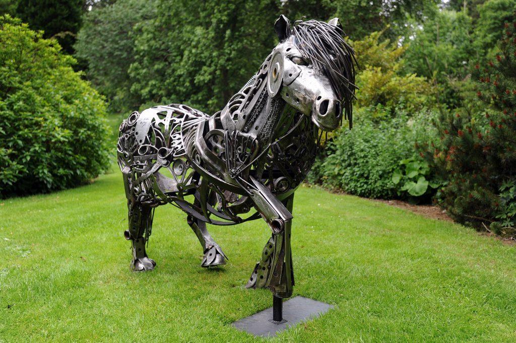 KCes_Botanic_Gardens_Sculpture_Dundee_140617_05