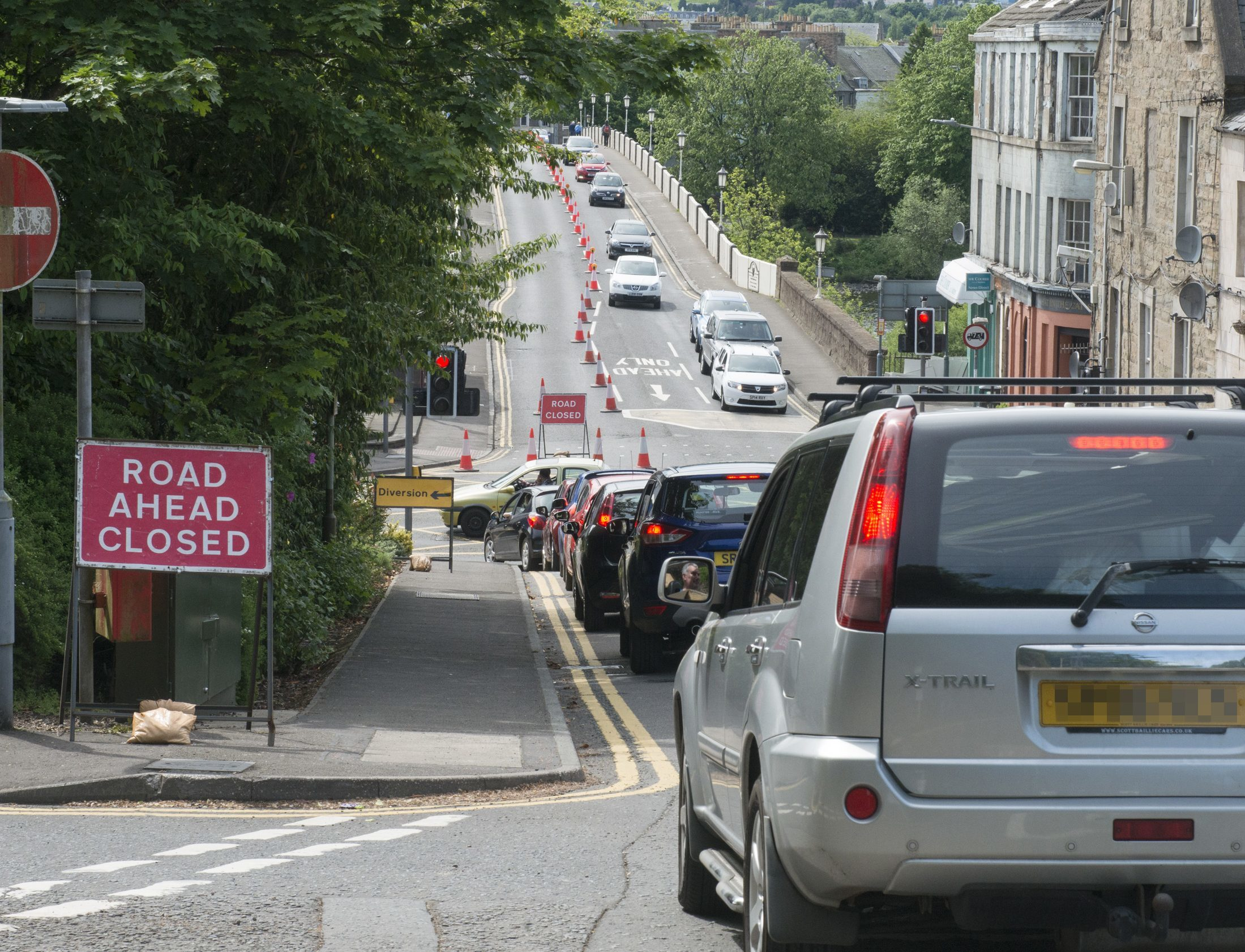 The phantom lane closure which caused the tailbacks.
