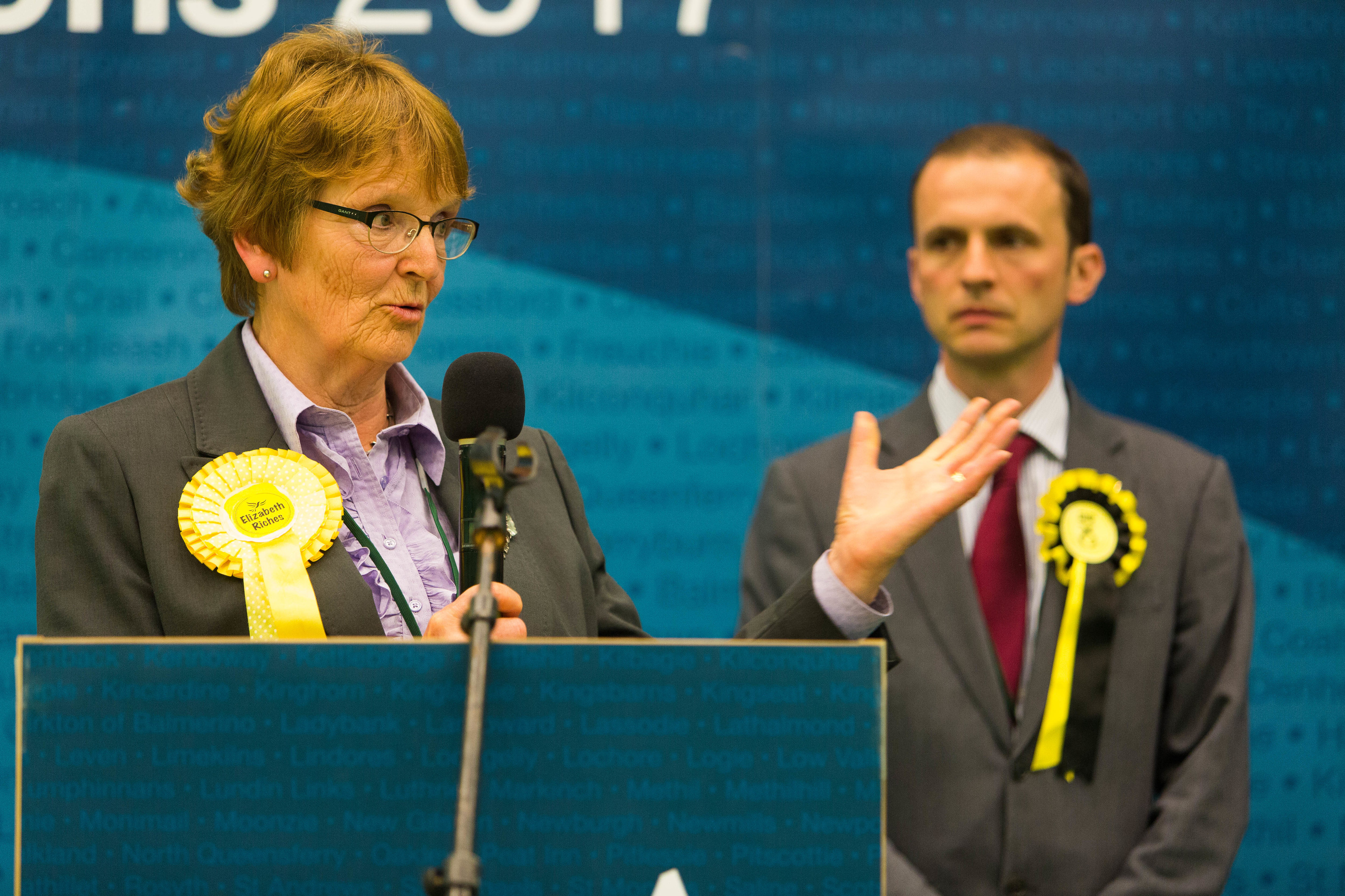 Elizabeth Riches and Stephen Gethins on stage at the count in Glenrothes in the early hours of Friday morning.