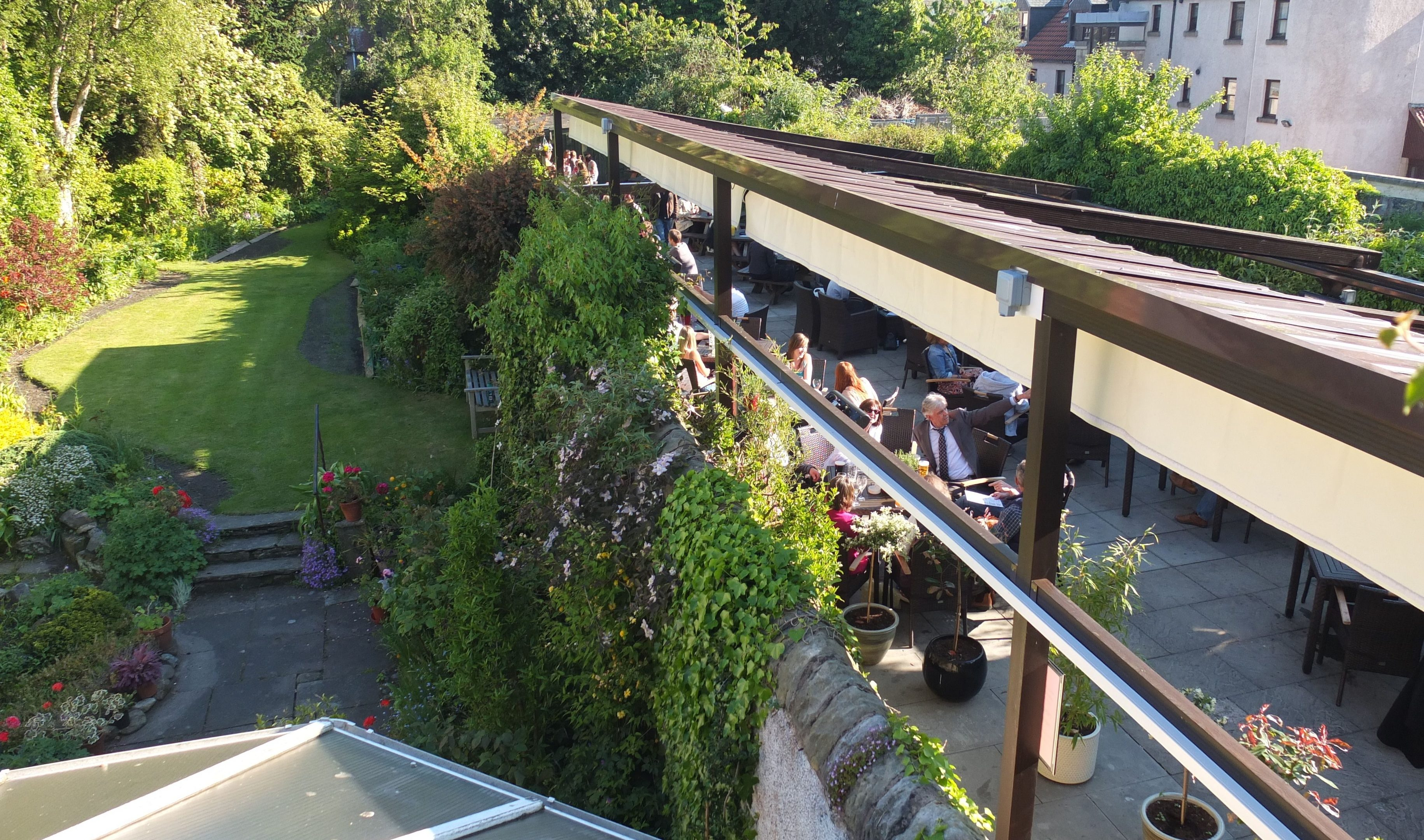 the West Port Bar, St Andrews, where planning permission was withdrawn for a beer garden roof structure incorrectly described as a pergola.