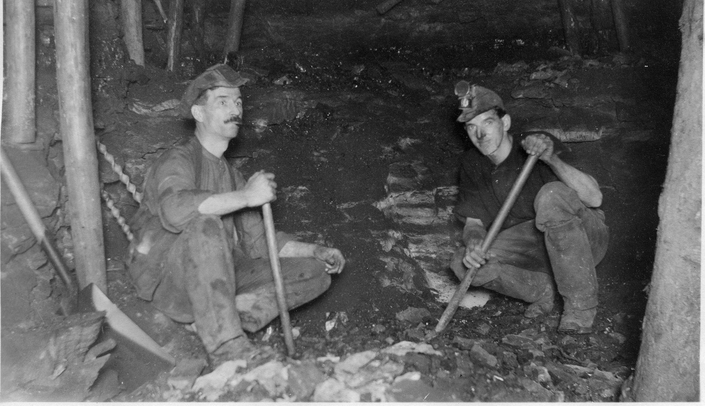Miners in the Wellesley pit in 1926