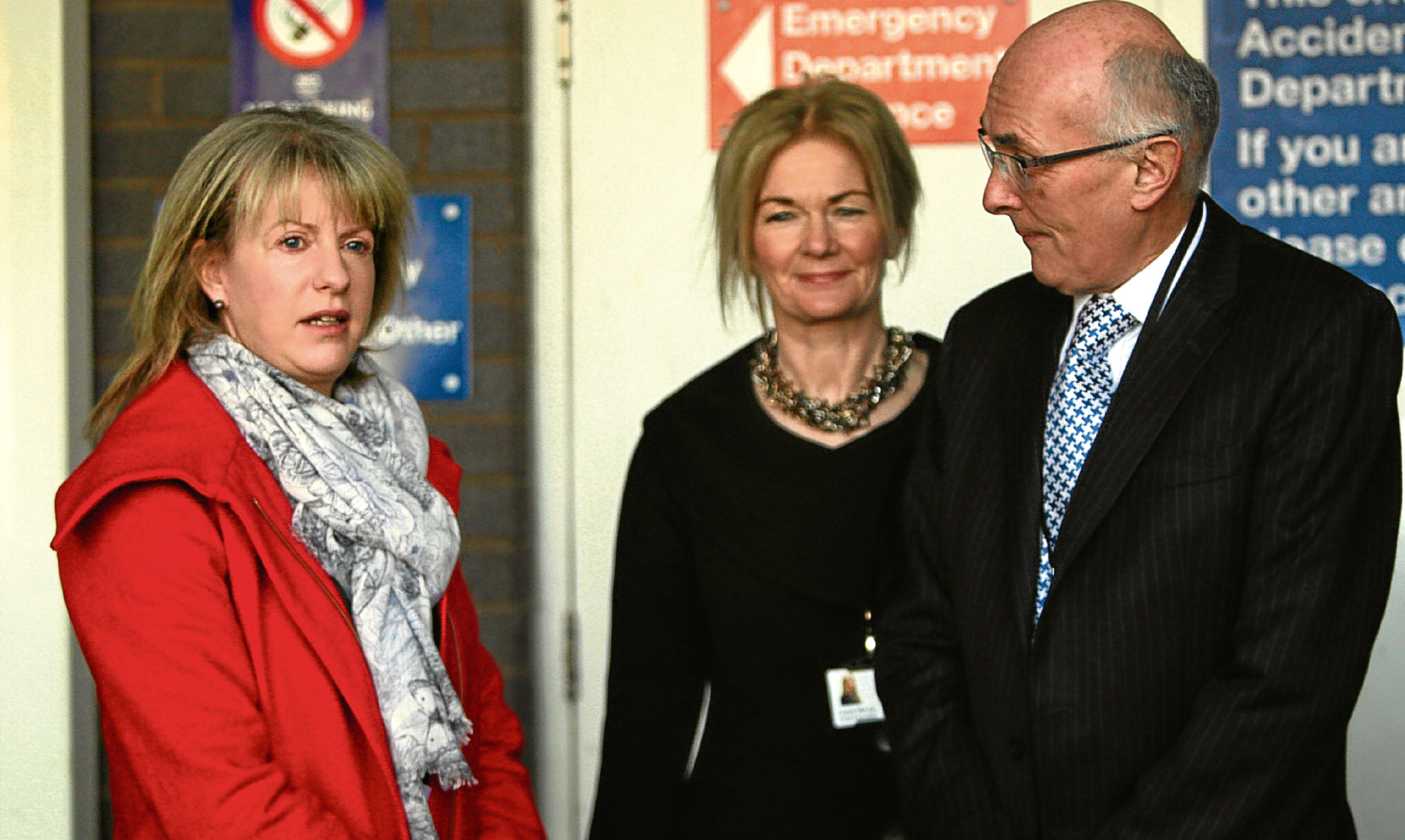 Shona Robison with NHS Tayside chief executive Lesley McLay and Professor John Connell, chairman of the Tayside NHS Board. (library photo)