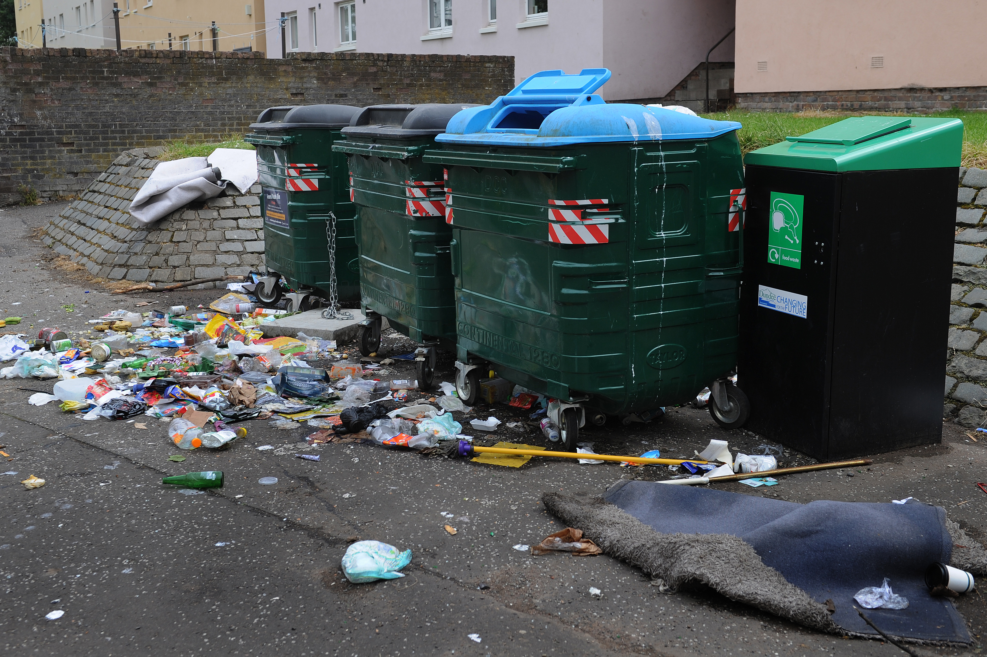 A new report revealed rubbish was not collected from 1800 homes in the first stages of the roll-out
