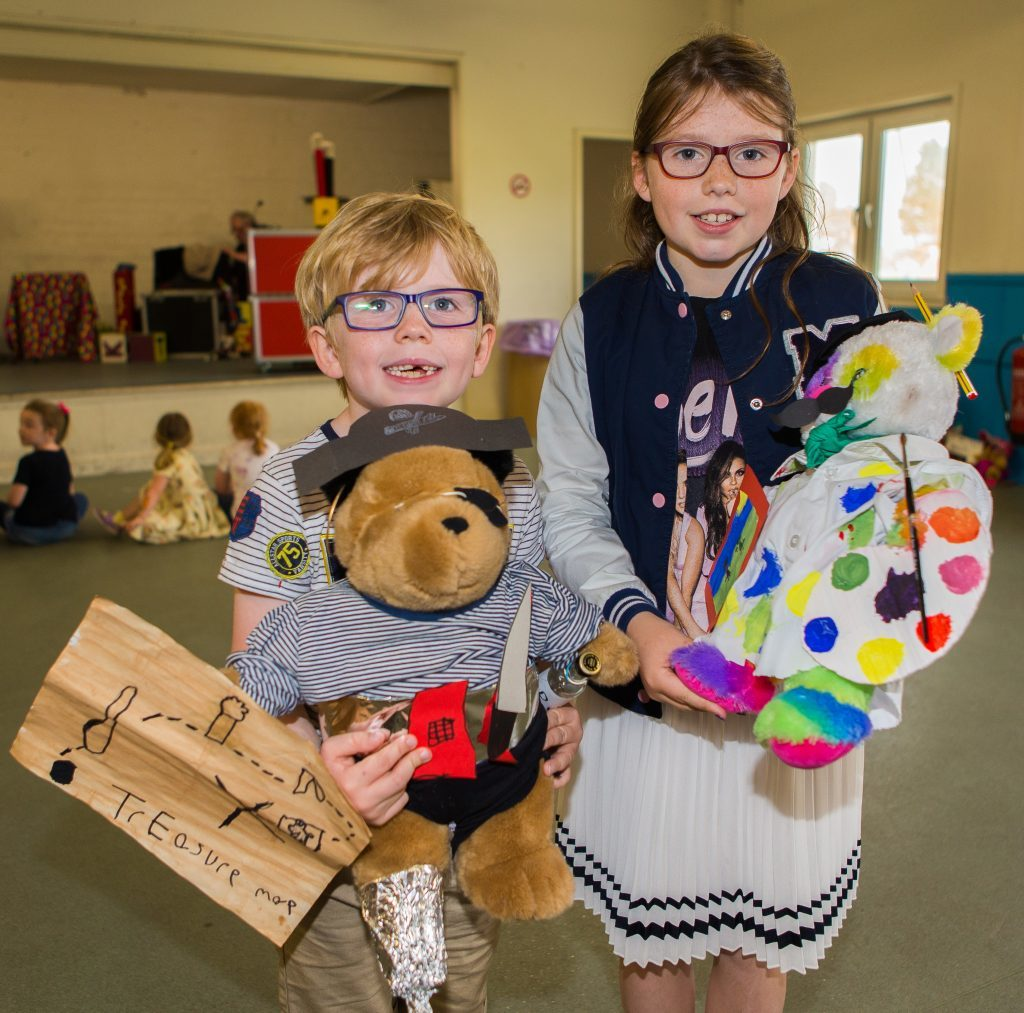 Siblings Alex Laing (6) and Isabella Laing (9) from Monifieth with Black Beard Bear & Artist Bear.